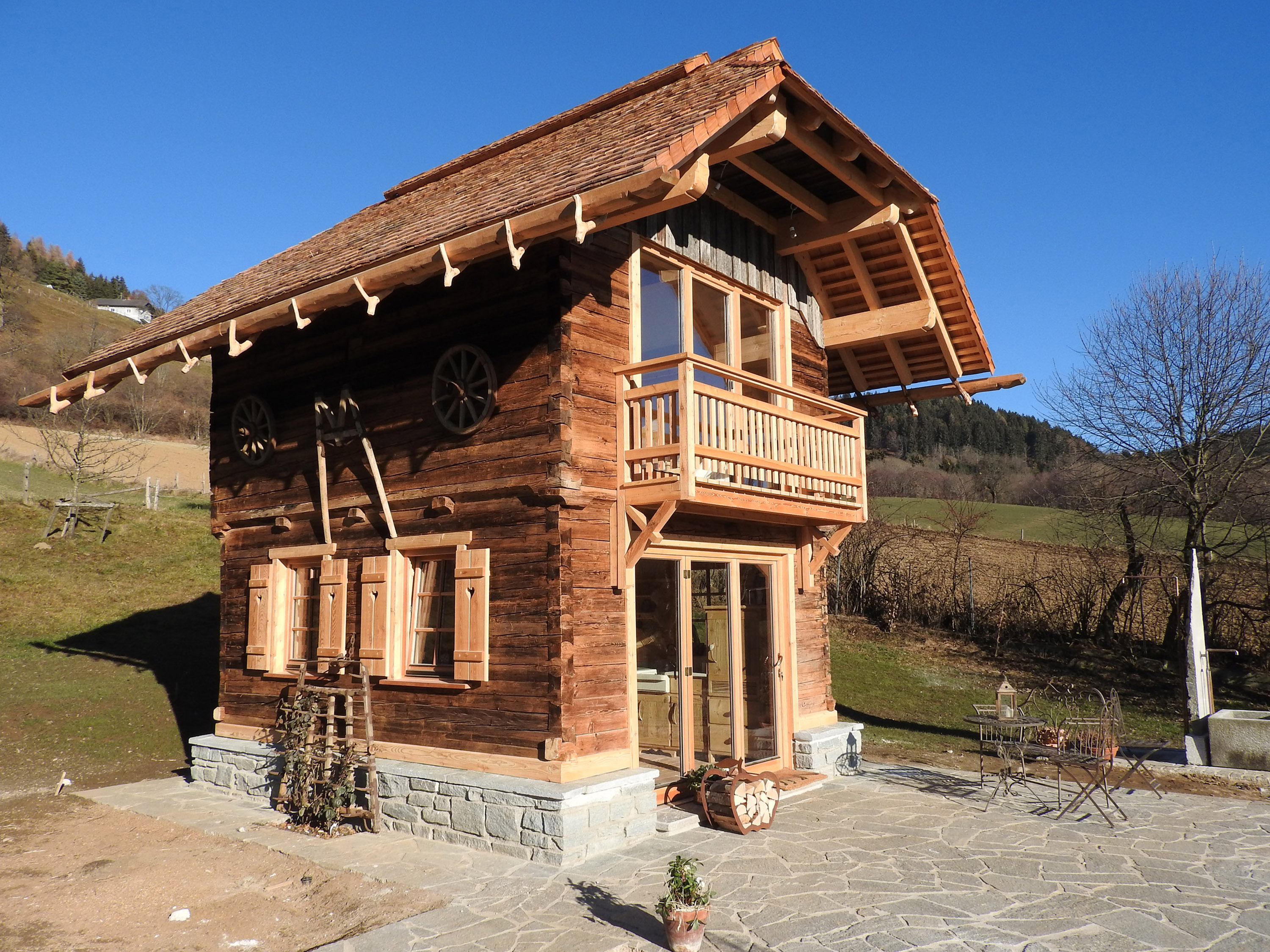 Traditionelles holzhaus in k rnten for Transportables haus holz